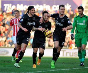 El Stoke se estrella contra el muro 'claret'