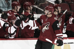 Arizona Coyotes will start season with five rookies on roster