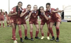 La selección española sub17 femenino es homenajeada en la RFEF