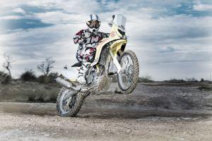 Suzuki Rally Team calienta motores para el Dakar 2015