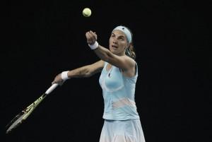 Cibulkova cede; Kuznetsova sigue progresando