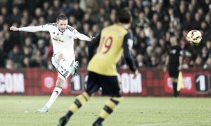 Swansea 2-1 Arsenal: Sigurdsson and Gomis ensure Arsenal lose yet another lead