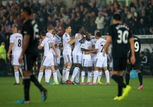 Swans ease to victory against Everton in Capital One Cup 3rd round