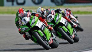 Kawasaki e Ducati dominano il venerdì a Donington Park