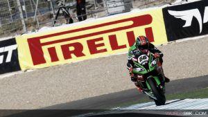 Fiesta en Kawasaki: Rea campeón, victoria para Sykes