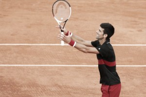 Djokovic faz grande partida e vence Verdasco no Aberto da França