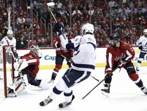 Tampa Bay Lightning even series at 2-2 with clutch road win