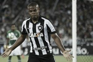 """Artilheiro na base, Vinícius Tanque comemora gol da vitória contra Chape: """"É sempre bom marcar"""""""