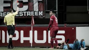 Renato Tapia no podrá jugar ante el Feyenoord