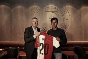 Renato Tapia fue presentado como nuevo fichaje del Feyenoord Rotterdam