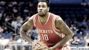 Tarik Black returns to Houston Rockets