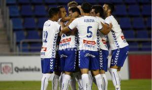 El Tenerife gana pero no despeja dudas