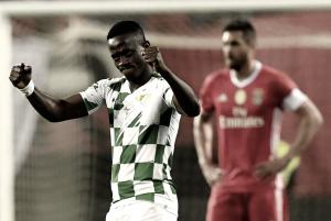 Moreirense afasta Benfica e ruma à final: cónegos arrasam as águias (3-1)