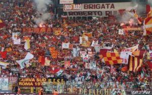 2000 i tifosi giallorossi a Torino