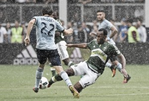 Jacob Peterson's header puts Sporting Kansas City past the Portland Timbers 1-0