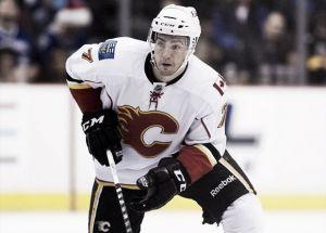 TJ Brodie renueva con los Flames