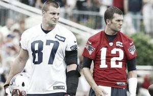 Brady y Gronkowski vuelven a entrenar, los Patriots respiran