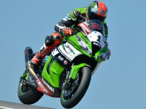 Superbike, Portimao: Tom Sykes è il dominatore di gara 1