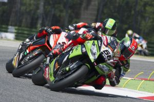 Tom Sykes in pole position a Magny-Cours