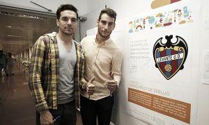 Toño e Iván López visitan a los niños del hospital de Manises