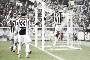 Alex Sandro decide e Juventus derrota Torino no clássico de Turim