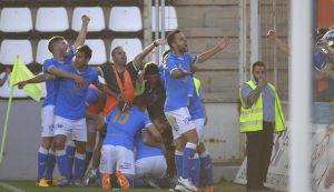 El pie de Albístegui permite al Lleida soñar de nuevo en los playoffs