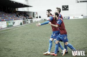 Fotos e imágenes del UP Langreo - UD Somozas, 30ª jornada Grupo I de Segunda División B