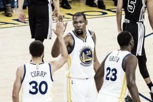 Golden State Warriors overwhelm San Antonio Spurs 136-100 in Game 2