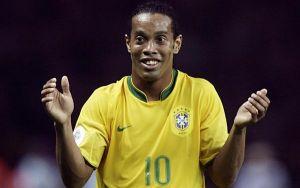 Ronaldinho no jugará en la liga colombiana