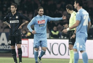Napoli - Sampdoria : Napoli look to stay at top of Serie A with a win