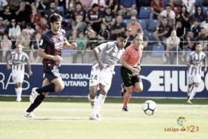 El Real Valladolid desaparece ante el Huesca