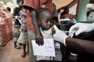 Vacunar a un niño en un país en desarrollo cuesta 68 veces más que en 2001