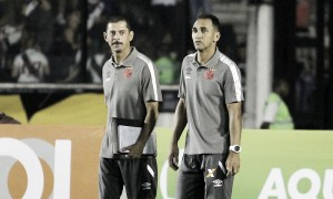 """Auxiliar Ednelson Silva comenta sobre erros do Vasco: """"Não fomos felizes na finalização"""