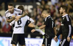 Valencia 2-1 Real Madrid: Valencia come from behind as Galacticos fall short of winning streak record