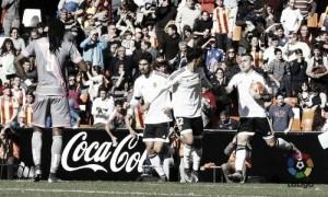 Valencia 2-2 Rayo Vallecano: Paco Alcacer's late strike rescues Los Che