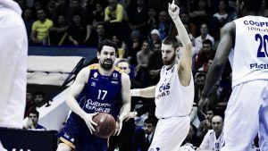 Valencia Basket gana a base de triples