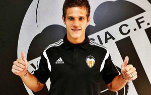 El Valencia gana el pulso por Zuculini