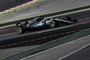Lewis Hamilton y Valtteri Bottas, satisfechos del rendimiento del W08