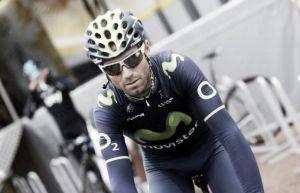 Valverde sale del podio en Hautacam