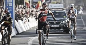 Greg Van Avermaet vence con la mirada puesta en Flandes