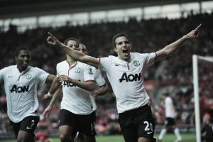 Fenerbahce confirm talks are underway between Van Persie and Manchester United