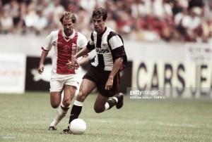 Ajax, PSV y la lucha por el trono de Holanda