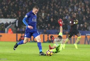 Memorable Match: Leicester City 4-2 Manchester City - Vardy hat-trick ends five-match winless run