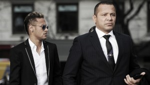 """Pai de Neymar reitera escolha do acerto com PSG: """"Foi decisão dele"""""""