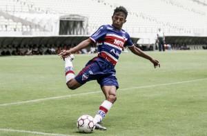"""Meia Gustavo comemora presença do Fortaleza em torneio Sub-19 na França: """"Realização de um sonho"""""""