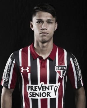 Na esteira de renovações, Luiz Araújo fica no São Paulo até 2021