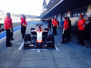 Marussia consigue poner en pista el MR03