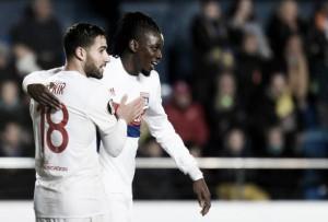 Lyon volta a vencer Villarreal e passa adiante na Europa League