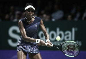 WTA Finals: Venus Williams ousts Garbiñe Muguruza in thriller for a spot in the last four