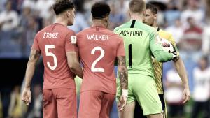 Inglaterra llega limpia a semifinales